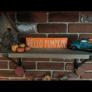 Wooden Hello Pumpkin sign